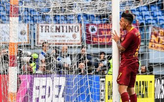 AS Roma Italian midfielder Lorenzo Pellegrini reacts as he loses an opportunity during the Italian Serie A football match between AS Roma and Cagliari on April 27, 2019 at the Olympic stadium in Rome. (Photo by Andreas SOLARO / AFP)        (Photo credit should read ANDREAS SOLARO/AFP via Getty Images)