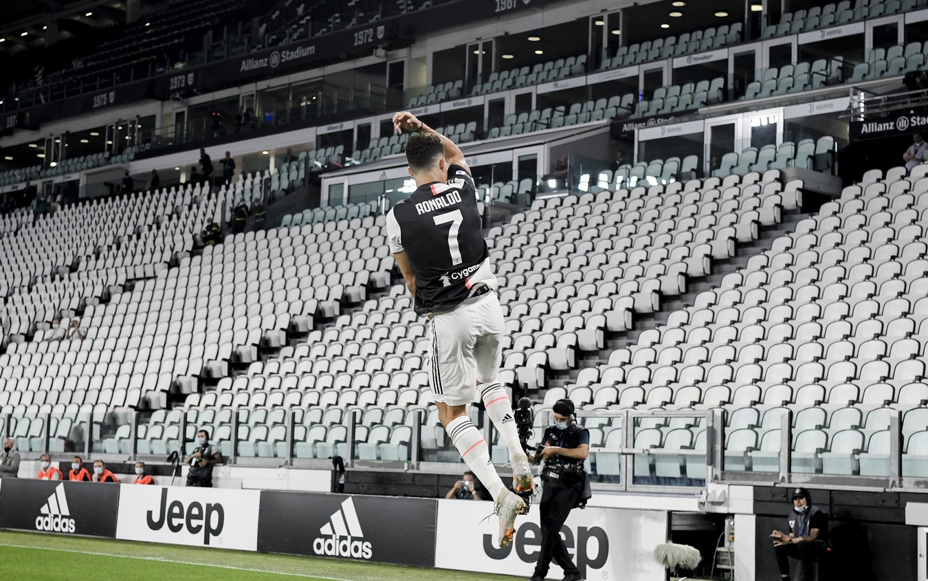 L'esultanza di CR7 allo Stadium dopo il secondo gol alla Lazio