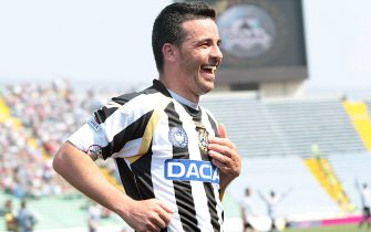Italian forward of Udinese, Antonio Di Natale, jubilates after scoring the goal against Ss Lazio during their Italian Serie A soccer match at Friuli stadium in Udine, Italy on 08 May 2011.ANSA/LANCIA