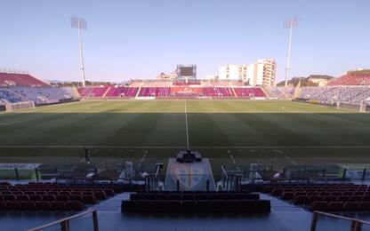 Cagliari-Crotone LIVE: Godin contro Simy-Messias