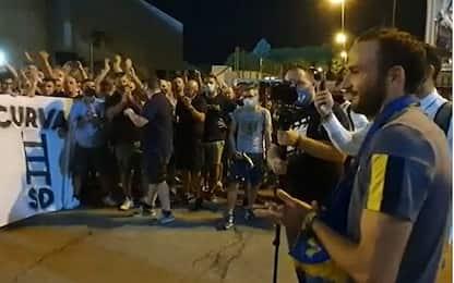 "Verona, i tifosi salutano Pazzini: ""Ciao capitano"""