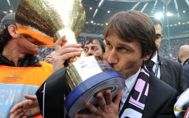 Italian head coach of Juventus FC, Antonio Conte, celebrates the victory of the Italian Serie A Championship 2011-2012 after the soccer match against Atalanta BC at Juventus stadium in Turin, Italy, 13 May 2012.ANSA/ALESSANDRO DI MARCO