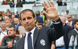Juventus' coach Massimiliano Allegri gestures prior the Italian Serie A soccer match Juventus FC vs SSC Napoli at the Juventus Stadium in Turin, Italy, 23 May 2015.ANSA/ANDREA DI MARCO