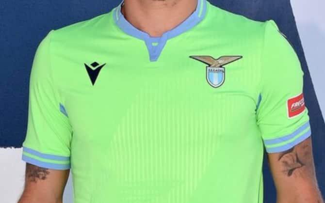 Lazio, la nuova seconda maglia per il 2020-2021. Le foto | Sky Sport