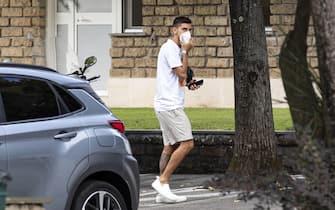 Lorenzo Pellegrini all'arrivo a Trigoria per la prima sessione di allenamento della pre-season; Roma, 27 agosto 2020. ANSA/MASSIMO PERCOSSI
