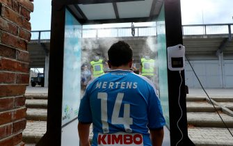 CASTEL DI SANGRO, ITALY - AUGUST 28: (BILD ZEITUNG OUT) Supporters entrance the stadium through a disinfection chamber prior to the pre-season friendly match between SSC Napoli and Castel Di Sangro at Stadio Comunale Teofilo Patini on August 28, 2020 in Castel di Sangro, Italy. (Photo by Matteo Ciambelli/DeFodi Images via Getty Images)