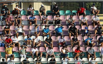 CASTEL DI SANGRO, ITALY - AUGUST 28: (BILD ZEITUNG OUT) .supporters on the stands with social distancing are seen during the pre-season friendly match between SSC Napoli and Castel Di Sangro at Stadio Comunale Teofilo Patini on August 28, 2020 in Castel di Sangro, Italy. (Photo by Matteo Ciambelli/DeFodi Images via Getty Images)