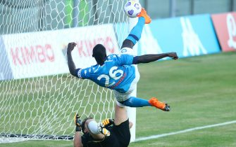 CASTEL DI SANGRO, ITALY - AUGUST 28: (BILD ZEITUNG OUT) Kalidou Koulibaly of Napoli scores his team's fourth goal during the pre-season friendly match between SSC Napoli and Castel Di Sangro at Stadio Comunale Teofilo Patini on August 28, 2020 in Castel di Sangro, Italy. (Photo by Matteo Ciambelli/DeFodi Images via Getty Images)