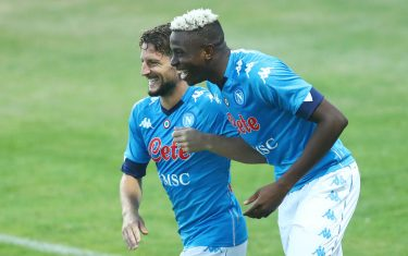 CASTEL DI SANGRO, ITALY - AUGUST 28: (BILD ZEITUNG OUT) Victor Osimhen of Napoli and Dries Mertens of Napoli celebrate after scoring during the pre-season friendly match between SSC Napoli and LAquila Calcio at Stadio Comunale Teofilo Patini on August 28, 2020 in Castel di Sangro, Italy. (Photo by Matteo Ciambelli/DeFodi Images via Getty Images)
