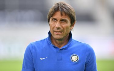 epa08593926 Inter headcoach Antonio Conte prior a training session of Inter Milan in Duesseldorf, Germany, 09 August 2020. Inter and Bayer Leverkusen will play a UEFA Europa League quarter final match in Duesseldorf on 10 August 2020.  EPA/Martin Meissner / POOL