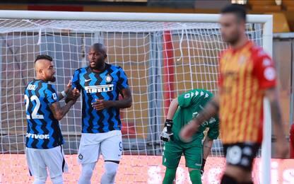 Benevento-Inter 0-3 LIVE: doppietta di Lukaku
