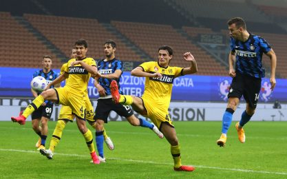Perisic salva l'Inter al 92': 2-2 con il Parma