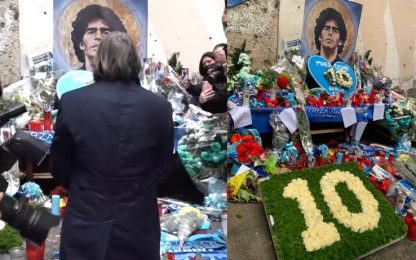 Un 10 di rose per Diego: l'omaggio di Bruno Conti