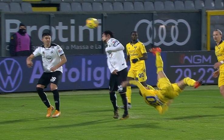 Zaccagni, il favoloso gol in rovesciata che ha deciso Spezia-Verona. VIDEO  | Sky Sport
