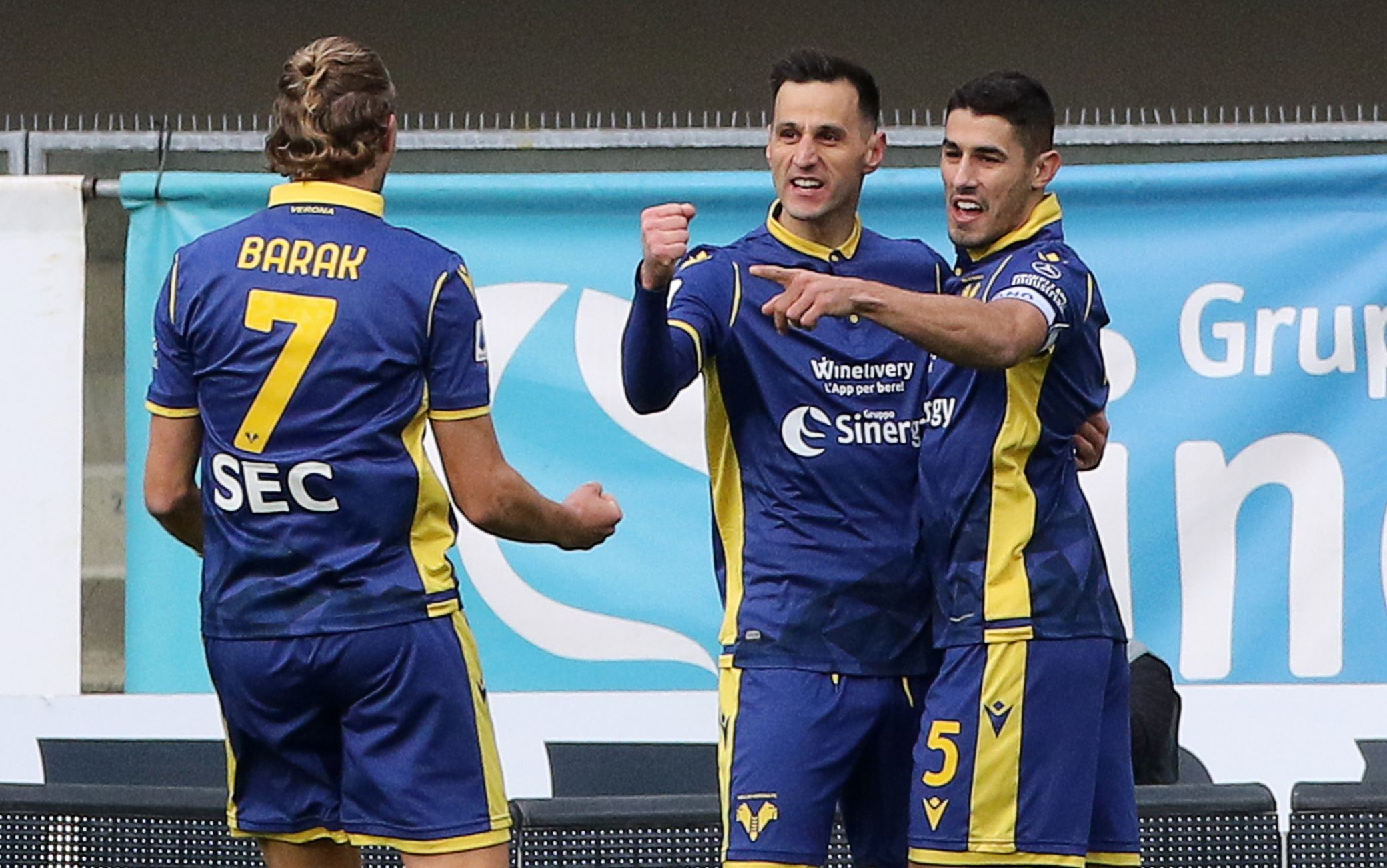 Verona Crotone 2-1: gol e highlights della partita di Serie A | Sky Sport