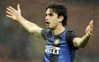 Inter Milan defender Andre Ranocchia celebrates after scoring the 3-2  lead during the Italy Cup soccer match FC Internazionale Milano (Inter Milan) vs Bologna FC at Giuseppe Meazza stadium in Milan, Italy, 15 January 2013.ANSA/DANIEL DAL ZENNARO