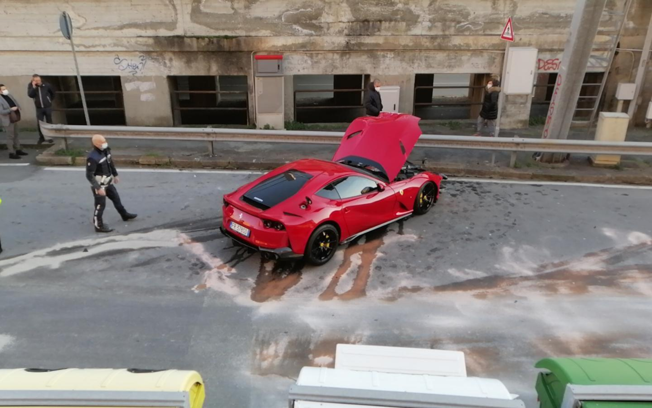 Marchetti, la Ferrari del portiere distrutta mentre lui si allenava. FOTO |  Sky Sport