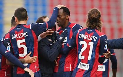 Crotone-Benevento 4-1 e Sassuolo-Parma 0-1 LIVE