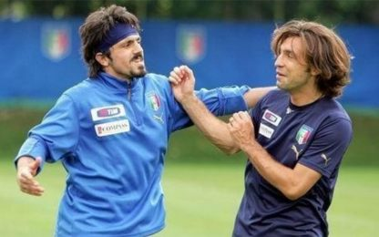 Scherzi e schiaffi, che risate tra Pirlo e Gattuso