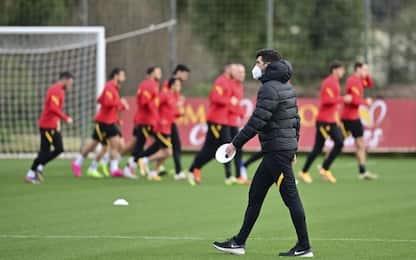 Roma, due positivi nello staff: squadra in bolla