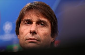 epa07972347 Inter's head coach Antonio Conte attends a press conference in Dortmund, Germany, 04 November 2019. Borussia Dortmund will face Inter Milan in their UEFA Champions League Group F soccer match on 05 November 2019.  EPA/FRIEDEMANN VOGEL