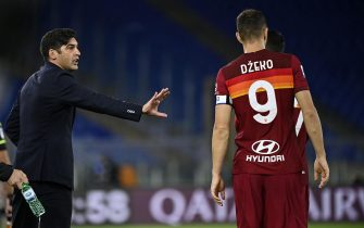 RomaÕs head coach Paulo Fonseca (L) with RomaÕs Edin Dzeko (R) during the Serie A soccer match between AS Roma and Benevento at the Olimpico stadium in Rome, Italy, 18 October 2020. ANSA/RICCARDO ANTIMIANI