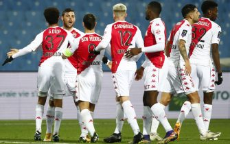 epa08940336 AS Monaco's Kevin Volland (2 L) celebrates a goal with teammates during the French Ligue 1 soccer match between Montpellier HSC and AS Monaco, in Montpellier, France, 15 January 2021.  EPA/Guillaume Horcajuelo