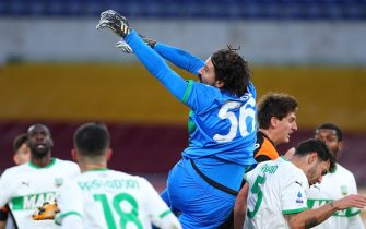 Sassuolo goalkeeper Gianluca Pegolo in action during the Italian championship Serie A football match between AS Roma and US Sassuolo Calcio on December 6, 2020 at Stadio Olimpico in Rome, Italy - Photo Federico Proietti / DPPI / LM