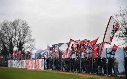 """La carica dei 300 a Milanello: """"Il derby si vince"""""""