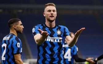 Milan Skriniar (FC Internazionale) esulta dopo aver segnato il gol del vantaggio per lâ  Inter