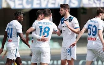 Atalanta's Ruslan Malinovskyi jubilates after scoring the goal 0-1 in action during the Italian Serie A soccer match Hellas Verona  vs Atalanta at Marcantonio Bentegodi stadium in Verona, Italy, 21 March 2021. ANSA/EMANUELE PENNACCHIO