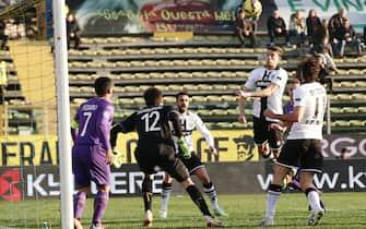 Parma's Andrea Costa (II from R) scores the goal during the Italian Serie A soccer match Parma FC vs ACF Fiorentina at Ennio Tardini stadium in Parma, Italy, 06 January 2015.ANSA/SERENA CAMPANINI