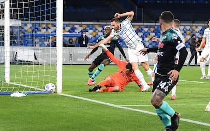 Napoli-Inter 1-0 LIVE: autorete di Handanovic