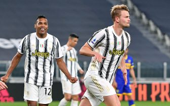 Juventus' Matthijs De Ligt  jubilates after scoring the goal (3-1) during the italian Serie A soccer match Juventus FC vs Parma Calcio at the Allianz Stadium in Turin, Italy, 21 April 2021 ANSA/ALESSANDRO DI MARCO