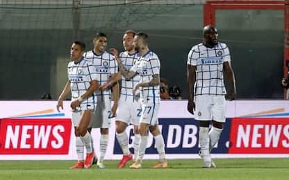 L'Inter a un passo dallo scudetto: 2-0 al Crotone