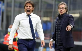 Inter Milan s coach Antonio Conte (L) and Lele Oriali react during the Italian serie A soccer match  Fc Inter and Fiorentina  at Giuseppe Meazza stadium in Milan 26 September  2020. ANSA / MATTEO BAZZI