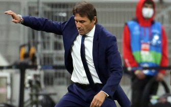 Inter Milan s coach Antonio Conte reacts during the UEFA Champions League Group B soccer match between Inter and VfL Borussia Mönchengladbach  at Giuseppe Meazza stadium in Milan 21 October 2020. ANSA / MATTEO BAZZI