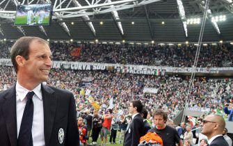 Juventus' coach Massimiliano Allegri looks on prior the Italian Serie A soccer match Juventus FC vs SSC Napoli at the Juventus Stadium in Turin, Italy, 23 May 2015.ANSA/ANDREA DI MARCO