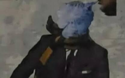 Il murale di Mourinho coperto dal fumo di Sarri