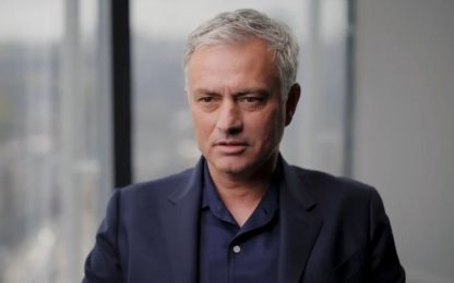 """Mourinho scherza con Ronaldo: """"Lascia l'Italia"""""""