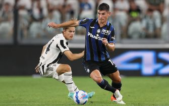 Turin, Italy, 14th August 2021. Ruslan Malinovskyi of Atalanta is pursued by Nicolo Fagioli of Juventus during the Pre Season Friendly match at Allianz Stadium, Turin. Picture credit should read: Jonathan Moscrop / Sportimage via PA Images