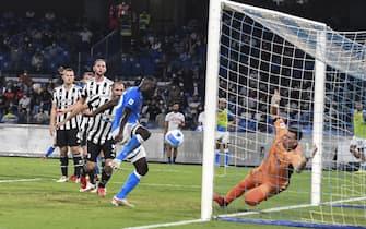 Kalidou Koulibaly of Napoli scores the 2-1 goal during the Italian Serie A soccer match Ssc Napoli vs Juventus FC  at  Diego Armando Maradona Stadium in Naples,  Italy, 11 September 2021. ANSA / CIRO FUSCO
