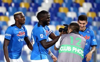NAPLES, ITALY - SEPTEMBER 11: Kalidou Koulibaly of SSC Napoli celebrates with team mates after scores his Goal ,during the Serie A match between SSC Napoli and Juventus at Stadio Diego Armando Maradona on September 11, 2021 in Naples, Italy. (Photo by MB Media/Getty Images)