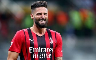 MILAN, ITALY - AUGUST 29: (BILD OUT) Olivier Giroud of AC Milan look on during the Serie A match between AC Milan and Cagliari Calcio at Stadio Giuseppe Meazza on August 29, 2021 in Milan, Italy. (Photo by Sportinfoto/DeFodi Images via Getty Images)
