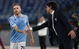 STADIO OLIMPICO, ROME, ITALY - 2021/04/26: Simone Inzaghi coach of SS Lazio (R) compliments Manuel Lazzari after he scored a goal, canceled by VAR, during the Serie A football match between SS Lazio and AC Milan. SS Lazio won 3-0 over AC Milan. (Photo by Antonietta Baldassarre/Insidefoto/LightRocket via Getty Images)