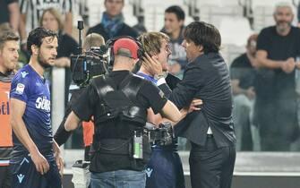 Lazio's defender Patric and Lazio's head coach Simone Inzaghi (R) celebrates a the end of the Italian Serie A soccer match between Juventus FC and SS Lazio at Allianz Stadium in Turin, 14 October 2017. ANSA/ ANDREA  DI MARCO