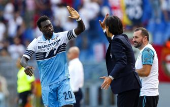 Lazio's Felipe Caicedo (L) jubilates with his coach Simone Inzaghi (C) after scoring the 1-0 goal during the Italian Serie A soccer match SS Lazio vs Genoa CFC at Olimpico stadium in Rome, Italy, 23 September 2018. ANSA/ANGELO CARCONI
