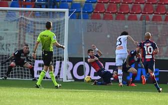 Crotone vs Genoa - Serie A TIM 2020/2021