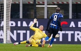 Lukasz Skorupski (Bologna FC) great save on Romelu Lukaku (FC Internazionale) close distance shot