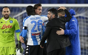 Napoli's head coach Gennaro Gattuso celebrates the victory with his players at the end of the Serie A soccer match between AS Roma and SSC Napoli at the Olimpico stadium in Rome, Italy, 21 March 2021. ANSA/RICCARDO ANTIMIANI